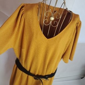 Established 1946 Size XL Dress